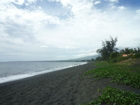 plage-de-sable-noir-2.jpg